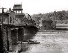 Smithfield Street Bridge, looking at Mount Washington, 1910. 17 Vintage Photos of the Steel City of Old - The 412 - January 2014
