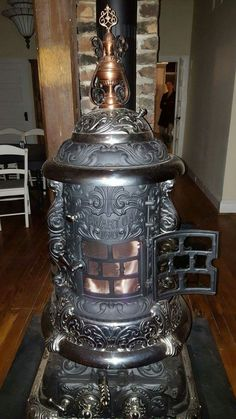 53 reuse and recycle 42 Antique Cast Iron Stove, Antique Wood Stove, How To Antique Wood, Coal Burning Stove, Coal Stove, Stove Heater, Vintage Stoves, Tree House Designs, Stove Fireplace