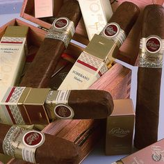 The Padrón Cigars 1964 Anniversary Series Soberano (Maduro) comes in a distinctive & squared-off tubes. It has new packaging but the blend is the same Whisky, Cigars And Whiskey, Good Cigars, Pipes And Cigars, Cigar Lounge Man Cave, Cuba Cigar, Padron, Best Alcohol, Cigar Shops
