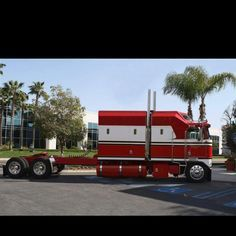 Big Kenworth Cabover with a 1 bedroom apartment. Looks good!