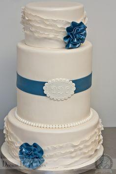 WEDDING CAKE from dreamdaycakes.com