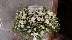 στολισμός λαμπάδας με ελιά λυσίανθο μινιον τριανταφυλλάκι και χαμομήλι..Δεξίωση | Στολισμός Γάμου | Στολισμός Εκκλησίας | Διακόσμηση Βάπτισης | Στολισμός Βάπτισης | Γάμος σε Νησί - Παραλία. Floral Wreath, Wreaths, Candles, Plants, Home Decor, Floral Crown, Decoration Home, Door Wreaths, Room Decor