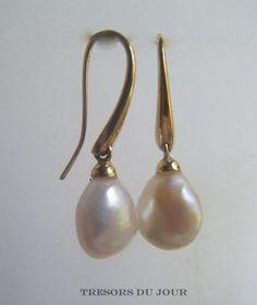 Classic Large BAROQUE PEARL Drop Earrings in 18kt Gold by TresorsDuJour #PearlEarrings #PearlDropEarrings
