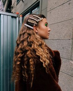 All the hair hair trends Hair Day, My Hair, Hair Inspo, Hair Inspiration, Hair Accessories For Women, Natural Hair Accessories, Pretty Hairstyles, Fashion Hairstyles, Blonde Hairstyles