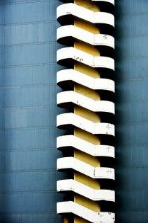 Escalier et haut - Eric Forey Stairs Architecture, Architecture Details, Interior Architecture, Photo D'architecture, Photo Art, Design Minimalista, Archi Design, Streamline Moderne, Minimal Photography