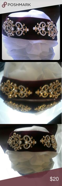 Bordeaux Crystal Statement Choker Perfect go to piece for a night out on the town!! Bordeaux  (burgundy)  velvet like feel base with a unique goldtone crystal choker. Jewelry Necklaces