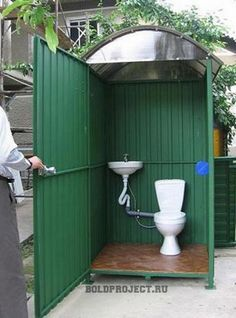 Outdoor Pool Shower, Outdoor Toilet, Outdoor Sinks, Outdoor Baths, Outdoor Bathrooms, Backyard Sheds, Backyard Landscaping, Camping Am Meer, Outside Toilet