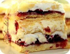 almond cake recipe with currant and meringue Summer Desserts, No Bake Desserts, Cheesecakes, Baking Recipes, Cake Recipes, Cheescake Recipe, The Joy Of Baking, German Baking, Cooking Cake