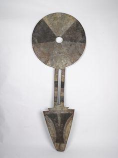 Nafana Bedu Female Mask, Ivory Coast http://www.imodara.com/post/101605831139/ivory-coast-nafana-bedu-plank-mask