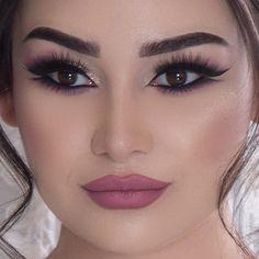 ideas looks makeup makeup makeup looks Bridal Makeup Looks, Bridal Hair And Makeup, Love Makeup, Makeup Art, Makeup Tips, Hair Makeup, Natural Prom Makeup, Wedding Makeup For Brown Eyes, Glamorous Makeup