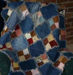 Raggy scrap quilt Denim and print fabric scrap quilt. A great way to upcycle some of the stuff I've got from Goodwill!Denim and print fabric scrap quilt. A great way to upcycle some of the stuff I've got from Goodwill! Scrap Quilt, Colchas Quilt, Patchwork Quilting, Quilt Blocks, Star Quilts, Blue Jean Quilts, Denim Quilts, Patchwork Jeans, Flannel Quilts