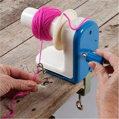 Reel , winder for wool and yarn from 91011 by DaWanda.com   #wool #breigaren #tekoop #breien  #haken  #crochet #wol #dawanda  #belgium #antwerpen