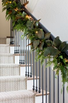 Amazing new festive christmas decorating ideas staircase decor 23