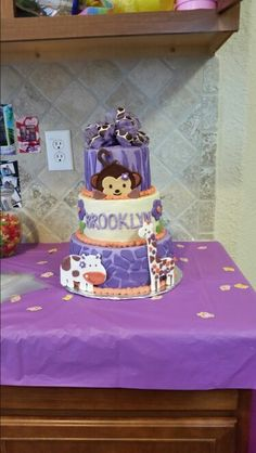 Cocalo Jacana baby shower cake