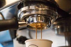 Paladar elenca 22 endereços paulistanos que priorizam cafés especiais e extrações que vão além do expresso, para evidenciar outras características de bons grãos; confira mapa