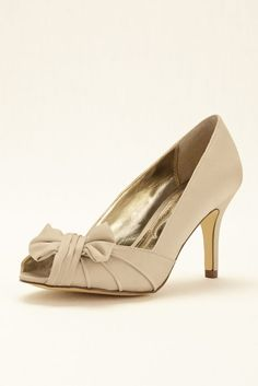 Peep Toe Pump with Bow by Nina - Sand (Yellow), 9 Women's