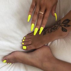 Neon nails - the flagship and colorful trend of summer 2019 # nails . - Neon nails – the flagship and colorful trend of summer 2019 nails yellow hands and feet - Neon Nails, My Nails, Nails On Fleek, Yellow Nail Art, Neon Yellow Nails, Bright Nails Neon, Acrylic Nails Yellow, Lime Green Nails, Color Yellow