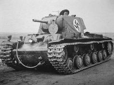 Heavy tank KV-1 in German service / czołg cięzki KW-1 zdobyty przez Niemców