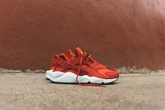 Nike WMNS Air Huarache Run - Cinnabar | Kith NYC. These sneakers run small. I had to get one full size up! Very nice and comfortable.