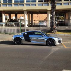 Never understood the whole chrome wrap thing  Spotted by @davedaws18  #ExoticSpotSA #Zero2Turbo #SouthAfrica #Audi #R8