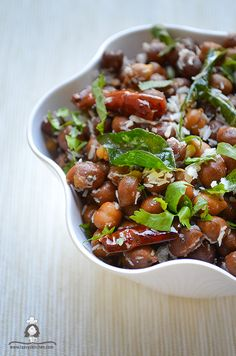 Healthy Chana salad.Protein rich salad seasoned to perfection with indian spices.Navratri sundal recipe - Laavy's Kitchen