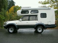 Toyota HDJ 81 Landcruiser Camper with turbo diesel engine Toyota Camper, Toyota Trucks, Toyota Motorhome, Off Road Camping, Truck Camping, Fiberglass Camper, Camper Shells, Land Rover, Expedition Vehicle