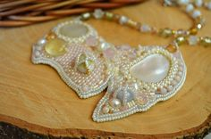 Bead Embroidered Bridal Necklace White Mother pearl Embroidery Seed Beaded jewelry Pink Cream Embroidery Necklace Beadwork Beaded Necklace