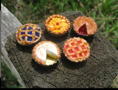 Mini pies made out of bottle caps