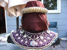 Byzantine Maniakis (jeweled collar) and roll headband with Perpendula (pearl or cut stone dangles) Ottonian, Early Middle Ages, Period Outfit, Medieval Clothing, Apron Dress, Period Costumes, Turkish Army, Byzantine, Collar Shirts