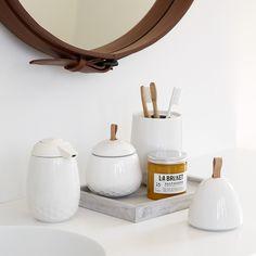Tandbørsteholder med låg / Toothbrush holder with lid, Mellibi - By Kähler