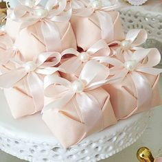 embalagem do bem-casado Homemade Wedding Favors, Edible Wedding Favors, Wedding Sweets, Wedding Gifts For Guests, Wedding Doorgift, Chocolate Favors, Islamic Gifts, Thank You Gifts, Wedding Designs