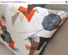 SPRING SALE Retro Throw Pillow   Vintage by atomiclivinhome, $70.20