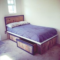 Single Pallet Bed with Drawers - 30 Pallet Projects That Will Make You Fall in Love | 99 Pallets