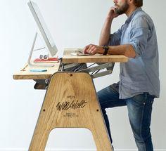 Qui n'a jamais rêvé d'un bureau en bois massif et acier, innovant, design, capable de s'adapter aux moments qui jalonnent une journée de travail et aux att