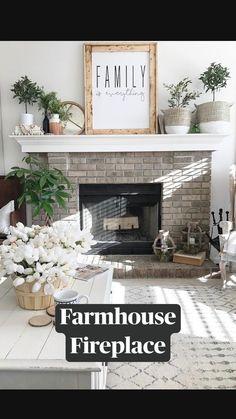 Farmhouse Family Rooms, Country Farmhouse Decor, Farmhouse Chic, Farmhouse Design, Industrial Farmhouse Decor, Farmhouse Rugs, Modern Farmhouse Style, Farmhouse Homes, Farmhouse Style Decorating