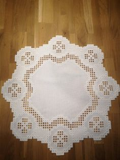 Hardanger blanket in white image 0 Christmas Embroidery Patterns, Embroidery Patterns Free, Hardanger Embroidery, Paper Embroidery, Crochet Doily Patterns, Crochet Doilies, Point Lace, Tatting Lace, Doll Clothes Patterns