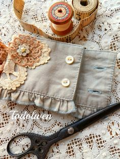Todolwen: needlecase from sleeve of old blouse