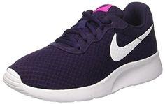 Nike Women's Tanjun Nike Tanjun, Nike Roshe, Nike Shoes, Sneakers Nike, Pink Running Shoes, Everyday Look, Sneakers Fashion, Nike Free, Lace Up