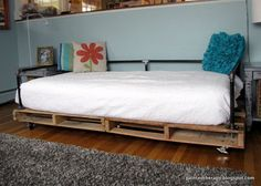 diy pallet daybed, bedroom ideas, diy, how to, painted furniture, pallet, repurposing upcycling, Grab yourself some pallets and make a bed today