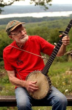 TIVERTON — Pete Seeger, a good friend to the town, died Monday in New York Presbyterian Hospital. He was 94.