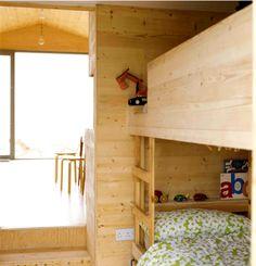 Compact Beach Hut http://pearlsandcowboyboots.com/2012/07/04/compact-beach-hut/