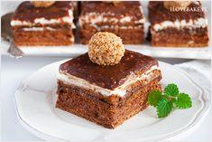 Ciasto ferrero rocher bez pieczenia o przepysznym czekoladowo-orzechowym smaku. Domowa wersja ciasta bazuje na dobrze znanych pralinkach ferrero.