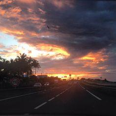 Sur la route  #sunset #skyporn #iledelareunion #lareunion #team974 #teamreunion #sunset_pics #skyporn #instasky #colorful #ontheroad #gotoreunion #instagood #islandlife #summertime #atardecer #coucherdesoleil #clouds #cloudporn #nofilter #nofilterneeded by carolehoareau