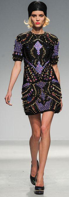 Restez perlée avec Manish Arora, et profitez des soldes Galeries Lafayette : http://fr.igraal.com/codes-promo/Galeries-Lafayette/code-privilege