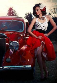 just drop dead gorgeous. The girl and the awesome rockabilly clothing car. Rockabilly Style, Rockabilly Rebel, Rockabilly Fashion, Retro Fashion, Vintage Fashion, Pin Up Girls, Pin Up Car, Kimono, Curves