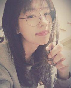 jung so min selfies - Google Search Jung So Min, Itazura Na Kiss, Asian Woman, Asian Girl, Playful Kiss, Young Actresses, Kim Woo Bin, Kpop, Korean Girl