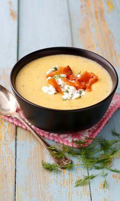 Helppo kasvissosekeitto – katso resepti! | Meillä kotona I Love Food, Good Food, Yummy Food, Soup Recipes, Cooking Recipes, Healthy Recipes, Food N, Food And Drink, Finnish Recipes