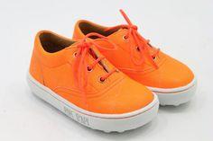 Pom D'Api in Neon Orange special by Warmer  $120,00