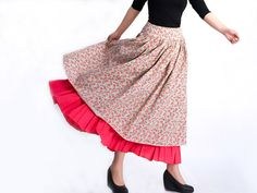 Have you ever got such a beautiful skirt?    the red flower, make it so charming and  beautiful.    The waist is fixed by a zipper, you can wear it on