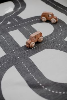 Car Rug in Nursery - this simple play rug is so perfect in a playroom!